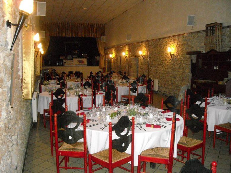 Salle à manger et spectacles